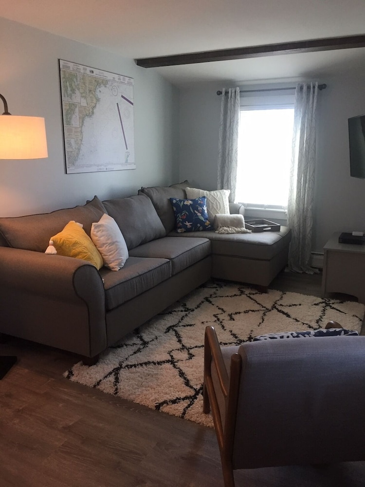 Living Room, Newly Furnished One Bedroom Just Steps to Ferry Beach