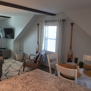 Newly Furnished One Bedroom Just Steps to Ferry Beach