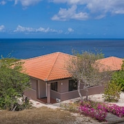 Comfortable Bungalow With Beautiful sea View and Private Infinity Pool