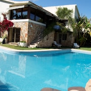 Luxury Villa in Residential Area of Benidorm
