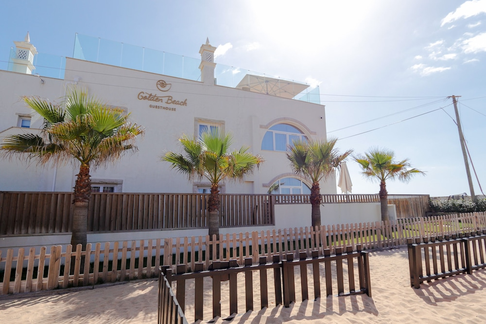 Front of Property, Golden Beach Guesthouse