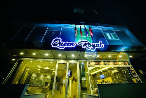 Queen Royal Hotel