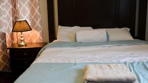 1 bedroom, desk, iron/ironing board, Internet