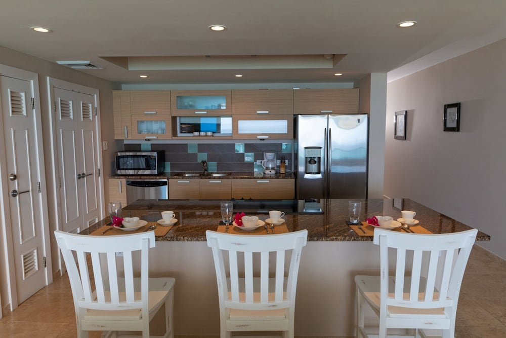 Private Kitchen, Ocean One 502 by Blue Sky Luxury