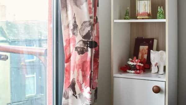 1 bedroom, laptop workspace, iron/ironing board, free WiFi