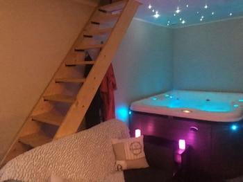 Bulle De Reves B B Avec Spa Privatif Frontonas 2020 Room Prices
