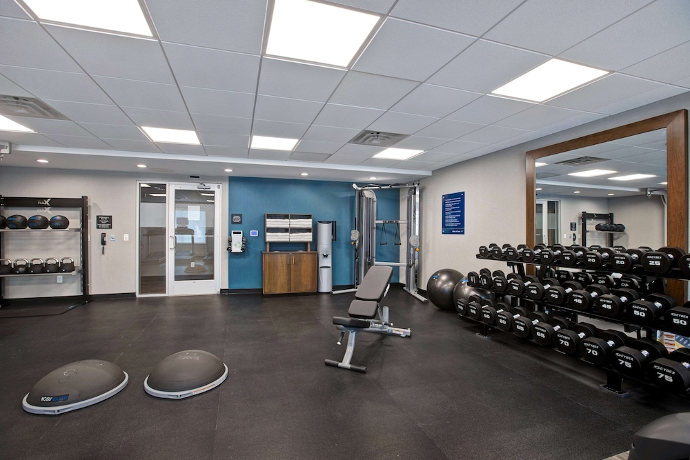 Fitness Facility, Hampton Inn & Suites Deptford, NJ