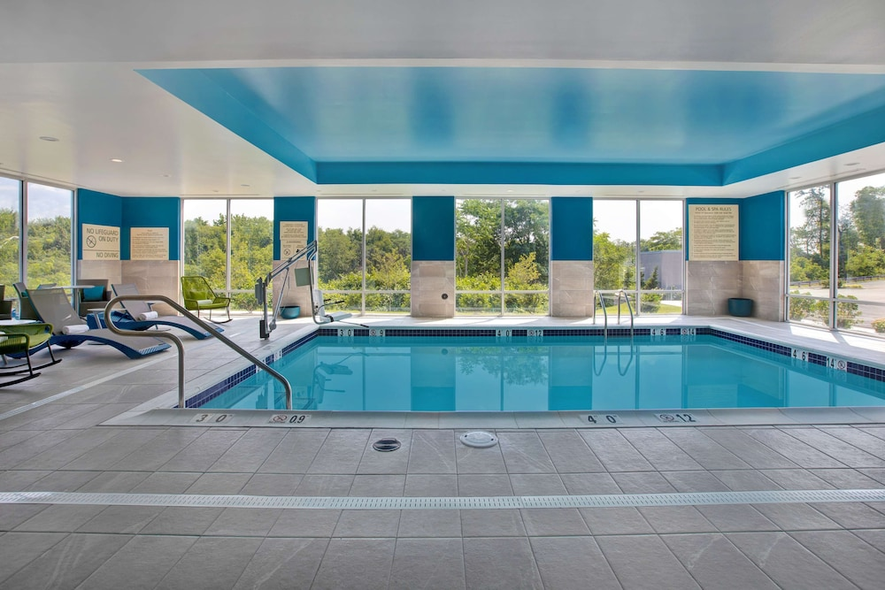 Pool, Hampton Inn & Suites Deptford, NJ