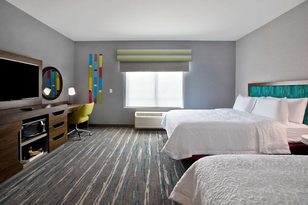 Room, Hampton Inn & Suites Deptford, NJ