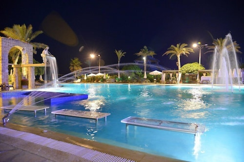 Utopia Beach Resort