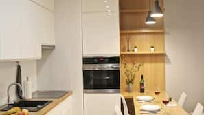 Fridge, microwave, oven, stovetop