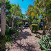 Bonita Beach Resort Two Double Beds 204