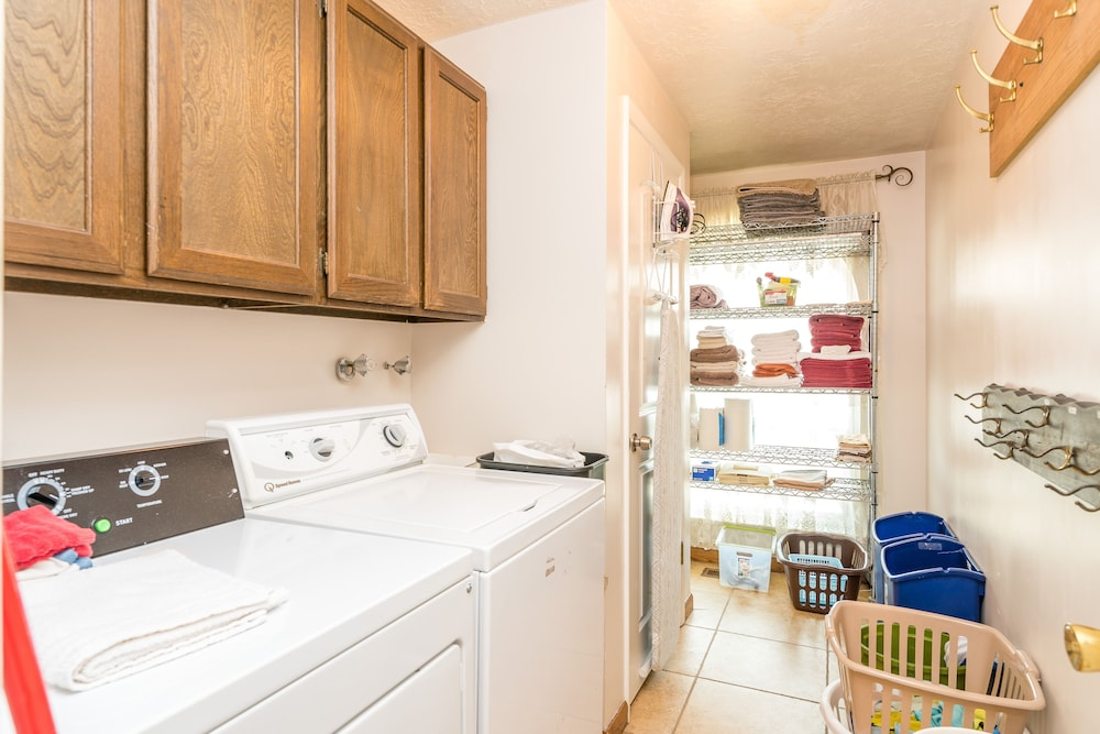 Laundry, The Family Crash Pad: King Beds, Full Kitchen, Family Room