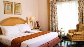 1 多间卧室、客房内保险箱、特色装修、特色家居