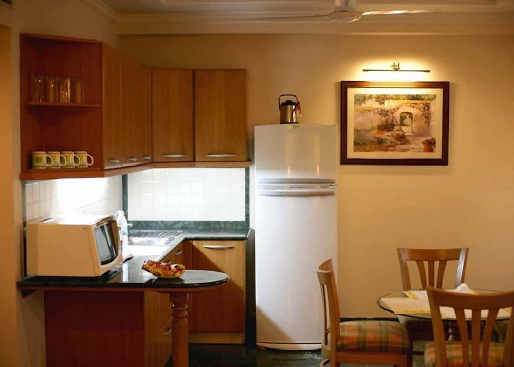 Private Kitchenette, Savoy Suites Noida