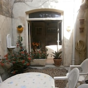 House With 4 Bedrooms in Tarascon, With Wonderful Mountain View and Enclosed Garden