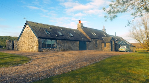Luxury 5* Secluded Farm house with Hot Tub in Scotland