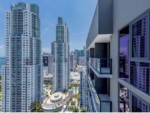 Beautiful Apartment in the Heart of Downtown Miami With a Great View