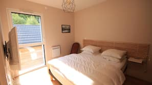 Soundproofing, free cots/infant beds, free WiFi, linens