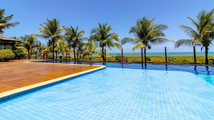 IT03 Bangalo Duplex 3 Suites Pe na Areia