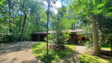 Spacious Cottage in the Woods Steps From Private Beach in Grand Bend