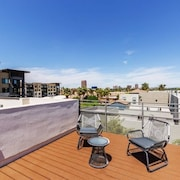 City Luxury Oasis! 3 Level Condo With 360 Roof!