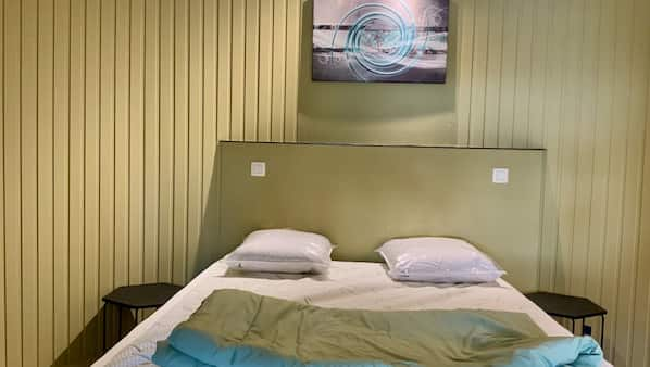 3 slaapkamers, een strijkplank/strijkijzer, babybedden, gratis wifi