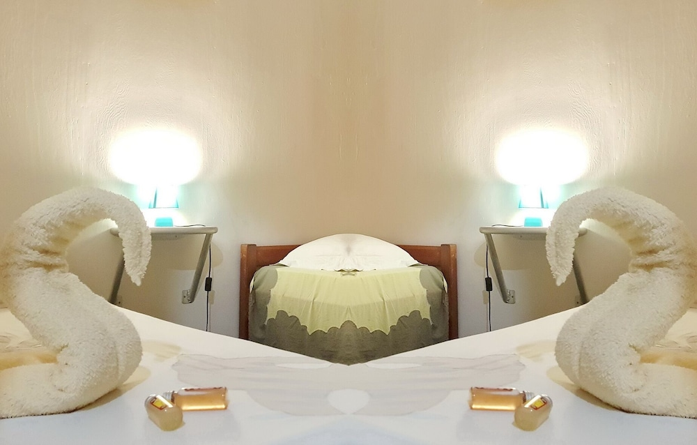 Featured Image, Opui Twin Room