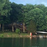 House on Norris Lake