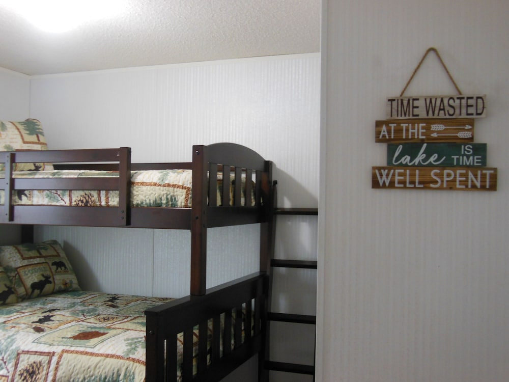 Room, Cabin IN THE Woods , Family AND PET Friendly