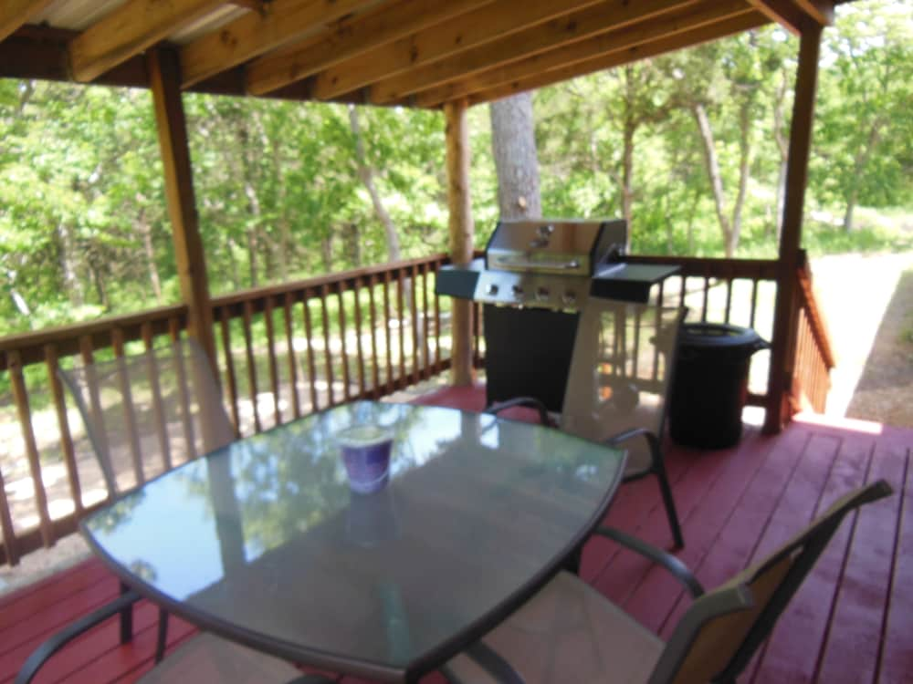 Balcony, Cabin IN THE Woods , Family AND PET Friendly