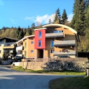 Delightful Apartment in Neukirchen am Großvenediger Nearby the Skislope
