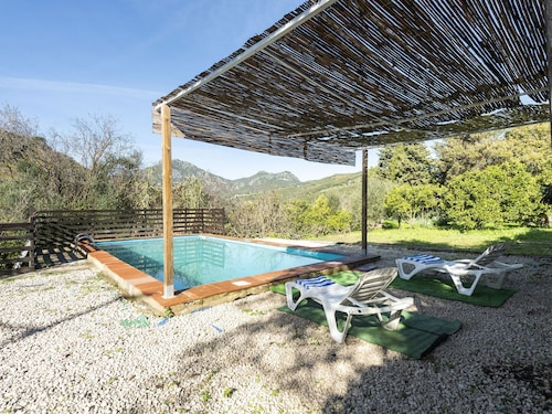 Spacious Holiday Home in Ubrique With Swimming Pool