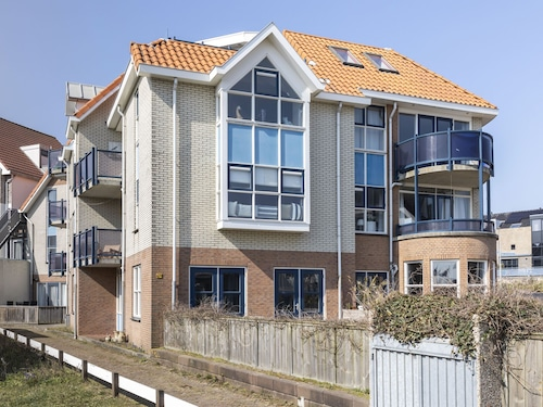 Beautiful Apartment in Bergen aan Zee Near Seabeach