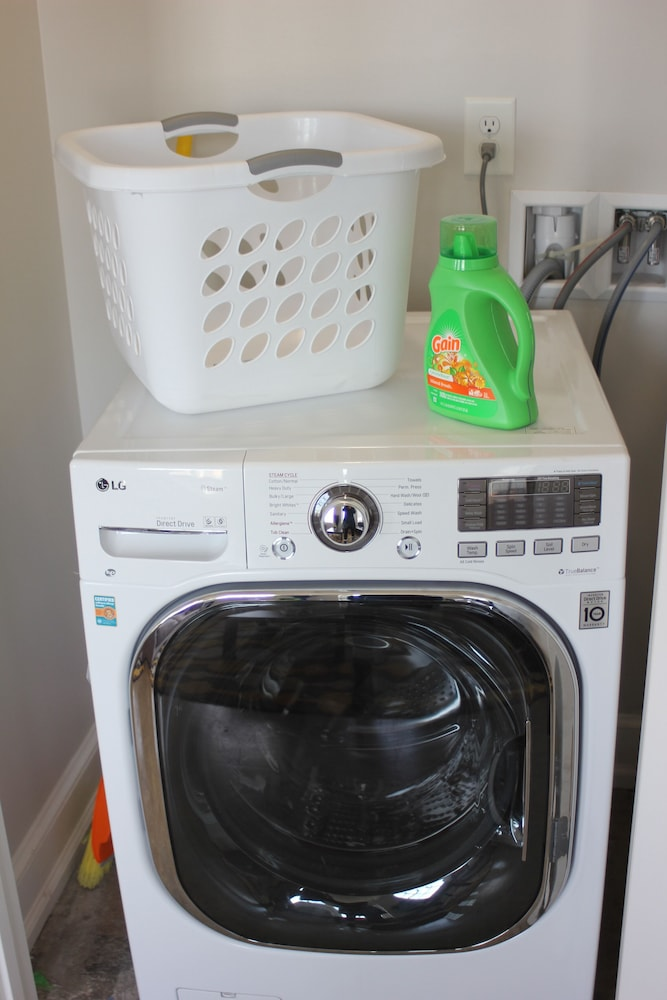 Laundry, Thomas Jefferson Towers