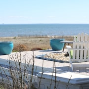 Beach House 3 Br/3&1/half Bath Home With Private Beach in CT