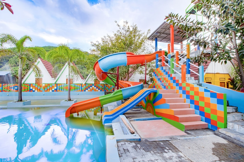 Children's Pool, Pantai Suwuk River View Bungalow