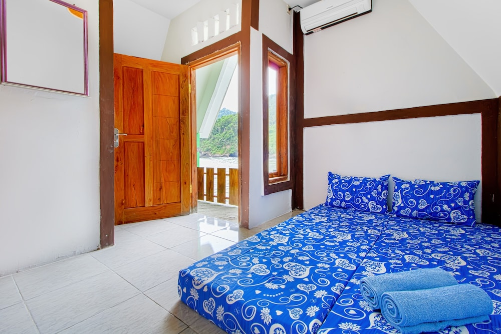 Room, Pantai Suwuk River View Bungalow