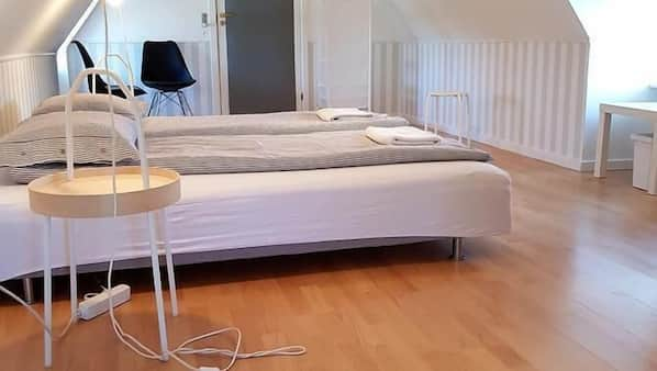 Iron/ironing board, free WiFi, linens