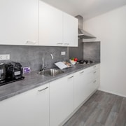 Modern Lodge With Dishwasher, Microwave, 500 m. From the sea