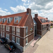 Luxury, 3-person Apartment Within Walking Distance of the Beach in Zoutelande