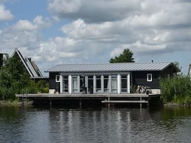 Cozy House With two Bathrooms in Beautiful Giethoorn