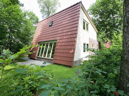 Detached Forest Villa With Dishwasher, Located in De Veluwe