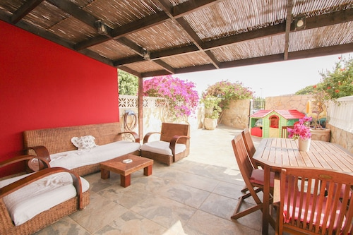 Montana Roja View House - Spacious With big Terrace, Highspeed Wi-fi, BBQ