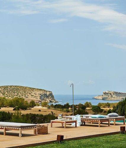 Luxury Private Holiday Villa With Garden and Views, Ibiza Villa 1002