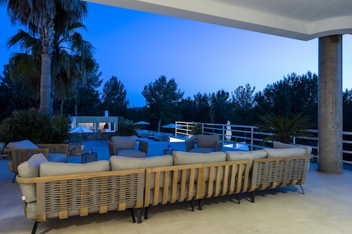 Luxury Private Holiday Villa With Volley Ball Court, Ibiza Villa 1007
