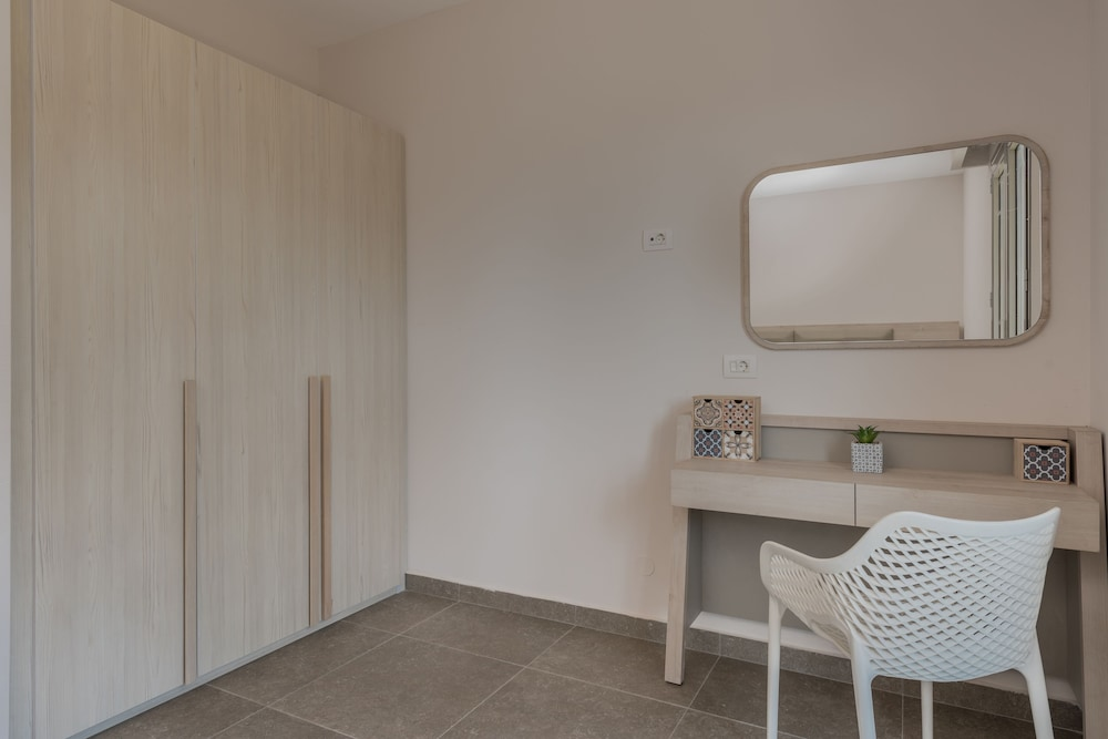 In-Room Dining, Casa 77 Zante by Karras Hotels