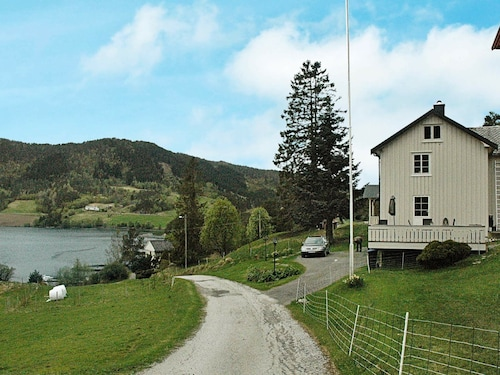 5 Person Holiday Home in Vågland