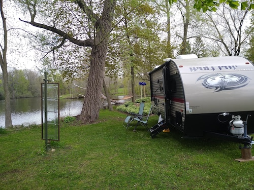 2 Person Clean RV Near Road America, Kohler Golf or While Hiking the Kettles