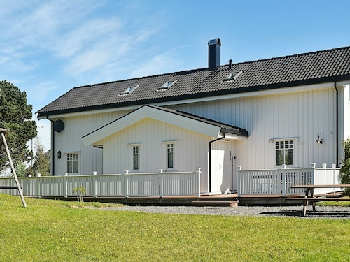8 Person Holiday Home in Oksvoll